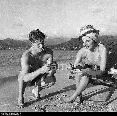 CMBW6R JOAN COLLINS Stephen Boyd.Island In The Sun.still.Supplied by Photos inc.(Credit Image: A© Supplied By Globe Photos Inc/Globe Photos/ZUMAPRESS.com)