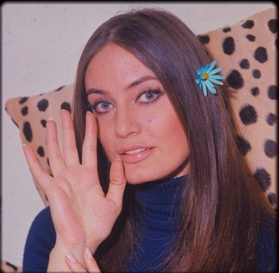marisa-mell-palm-reading-hand.jpg.jpeg