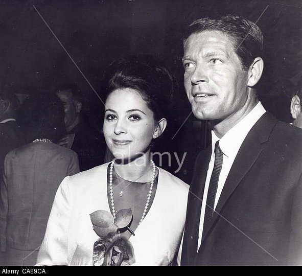 BARBARA PARKINS and Stephen Boyd at the premiere of Hallelujah Trail.(Credit Image: A© Gilloon/Globe Photos/ZUMAPRESS.com)