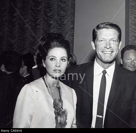BARBARA PARKINS with Stephen Boyd.Trail premiere.Supplied by   Photos inc.(Credit Image: A© Supplied By Globe Photos Inc/Globe Photos/ZUMAPRESS.com)