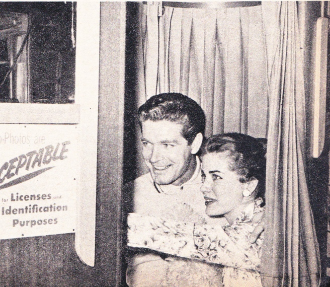 MOVIE LIFE MAGAZINE june 1960 (4) - Copy
