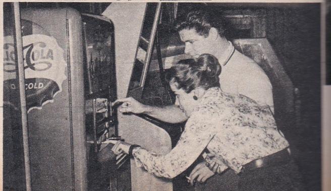 MOVIE LIFE MAGAZINE june 1960 (6) - Copy