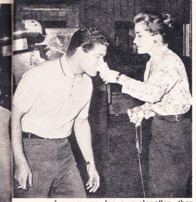 MOVIE LIFE MAGAZINE june 1960 (9) - Copy