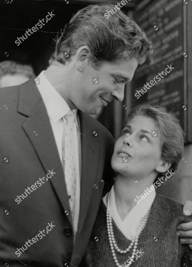 Actor Stephen Boyd And Wife Mariella Di Sarzana After Their Wedding At Fulham Registry Office. Box 723 408121648 A.jpg.